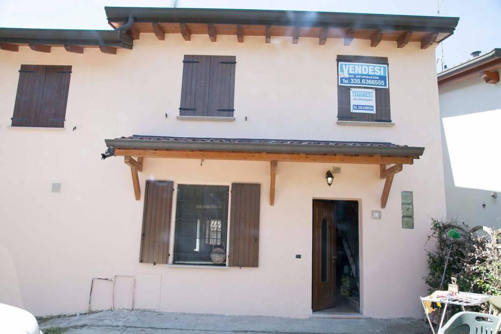 Casa indipendente 5 locali in affitto a Mirandola (MO)