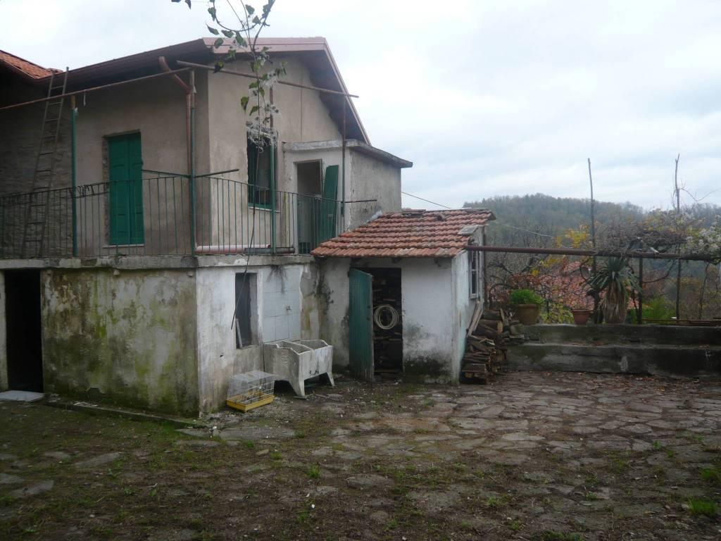 Soluzione Indipendente in vendita a Pontremoli, 4 locali, prezzo € 45.000 | PortaleAgenzieImmobiliari.it