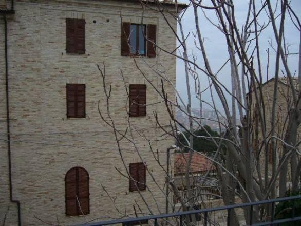 Appartamento in ottime condizioni in vendita Rif. 7856873