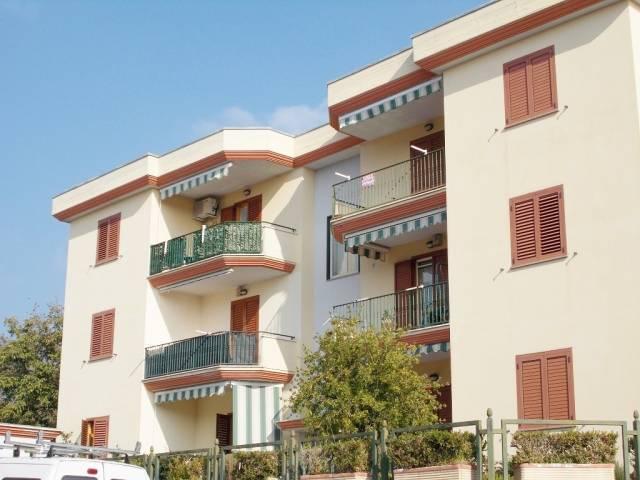 Appartamento in ottime condizioni in vendita Rif. 4300984