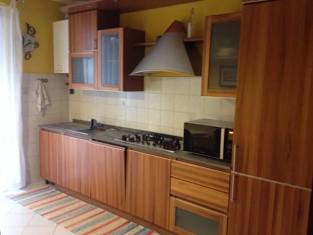 Appartamento in ottime condizioni arredato in affitto Rif. 4401272