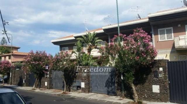 Appartamento in buone condizioni in vendita Rif. 7120019