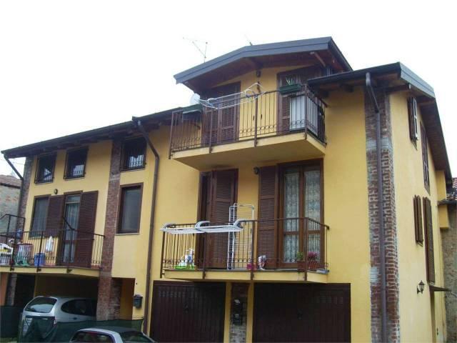 Appartamento in buone condizioni arredato in vendita Rif. 4602183