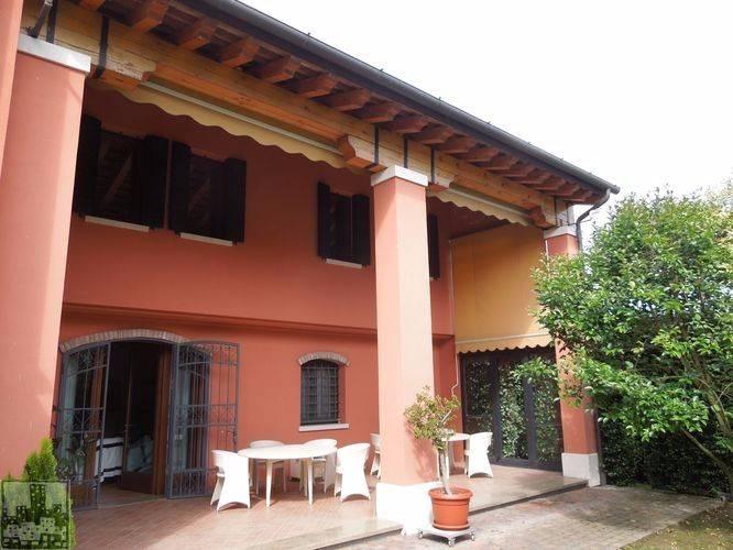 Rustico / Casale in vendita a Selvazzano Dentro, 5 locali, prezzo € 549.000 | CambioCasa.it