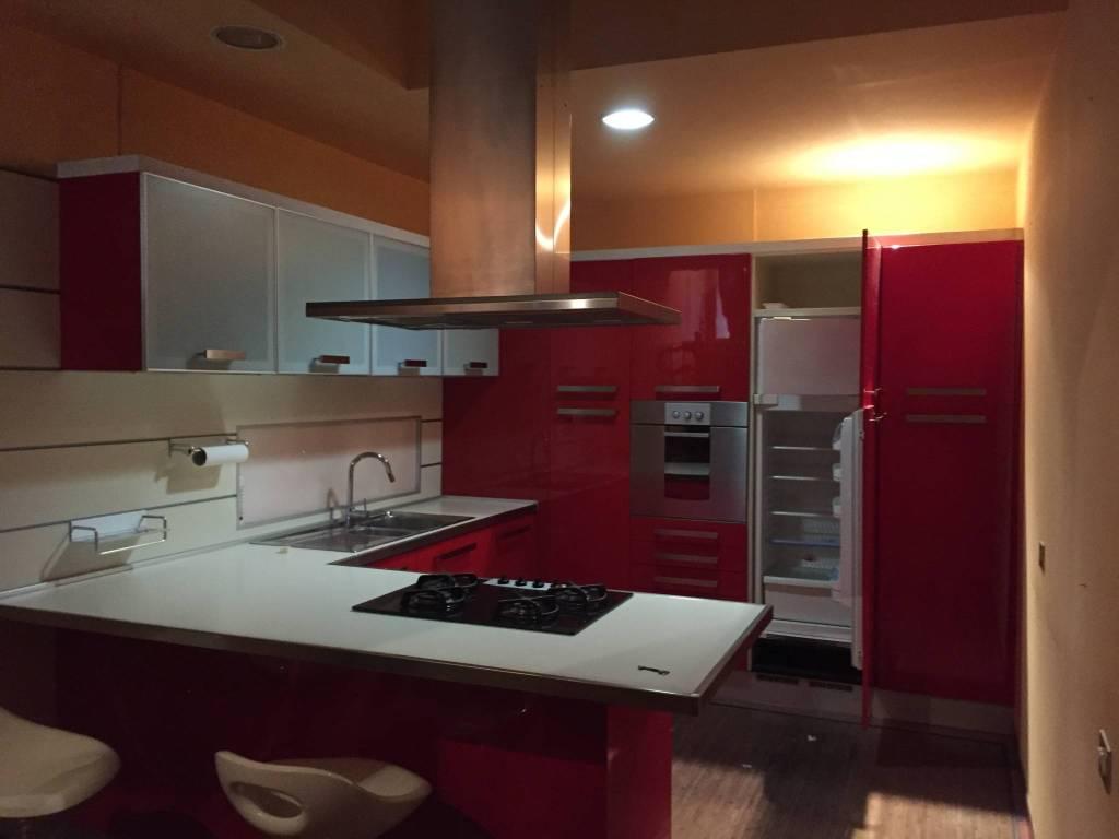 Appartamento in ottime condizioni parzialmente arredato in affitto Rif. 7860233
