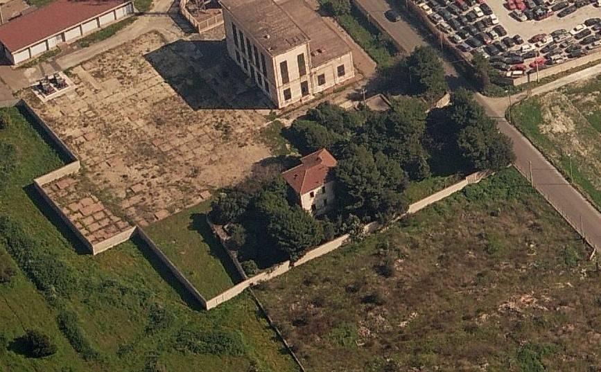 Stabile / Palazzo da ristrutturare in vendita Rif. 5590688