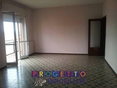 Appartamento da ristrutturare in vendita Rif. 7215432