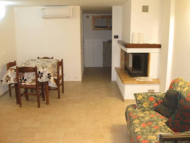 Appartamento in ottime condizioni arredato in affitto Rif. 6009457