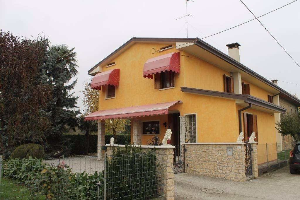 Villa in vendita a Meduna di Livenza, 3 locali, prezzo € 229.000   CambioCasa.it