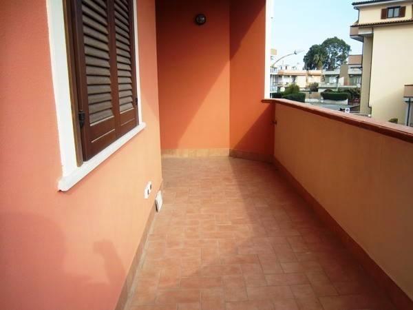 Appartamento in vendita a Ladispoli, 2 locali, prezzo € 110.000 | CambioCasa.it