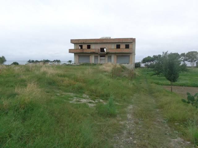 Palazzo / Stabile in vendita a Marina di Gioiosa Ionica, 9999 locali, Trattative riservate | CambioCasa.it