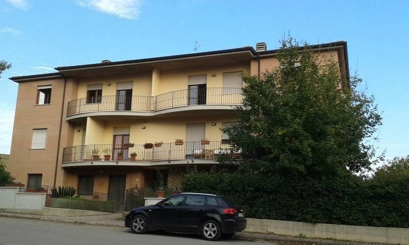 Appartamento in buone condizioni in vendita Rif. 8505978