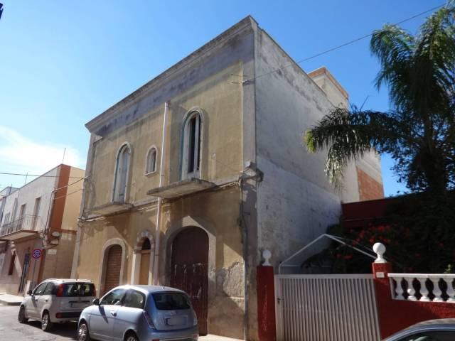 Stabile / Palazzo da ristrutturare in vendita Rif. 4831732