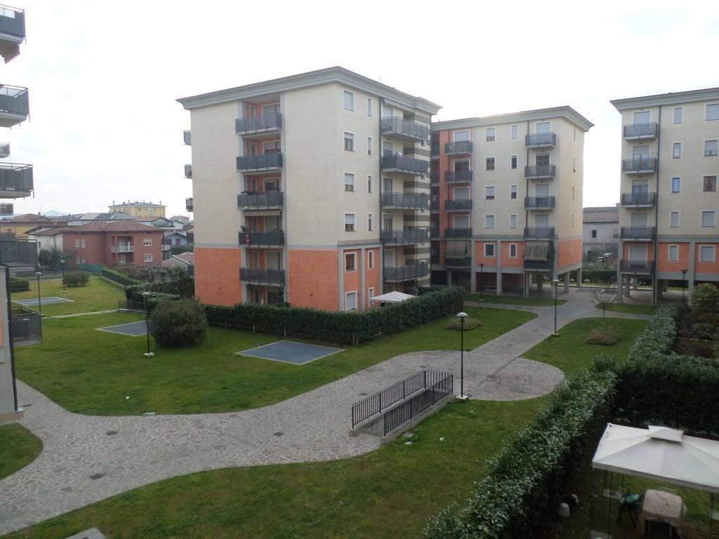 Appartamento in vendita a Seriate, 2 locali, prezzo € 89.000   CambioCasa.it