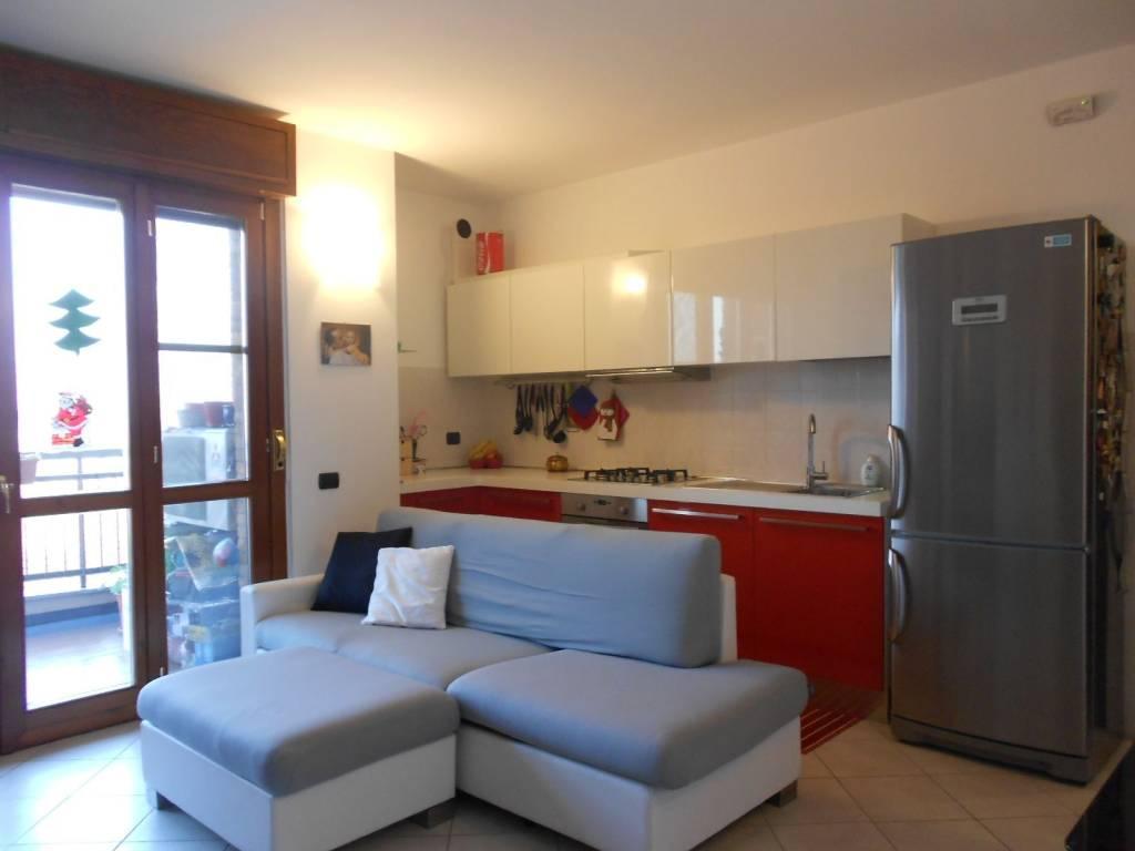 Appartamento in ottime condizioni in vendita Rif. 4558409
