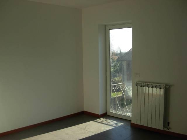 Appartamento in vendita a Sumirago, 3 locali, prezzo € 110.000   CambioCasa.it
