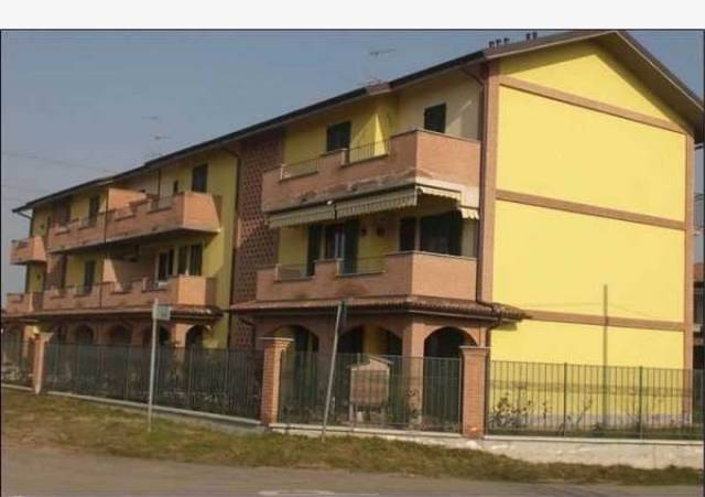 Appartamento in vendita a Albuzzano, 3 locali, prezzo € 78.000   CambioCasa.it