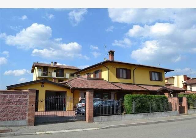 Villa in vendita a Zinasco, 6 locali, prezzo € 348.000 | CambioCasa.it