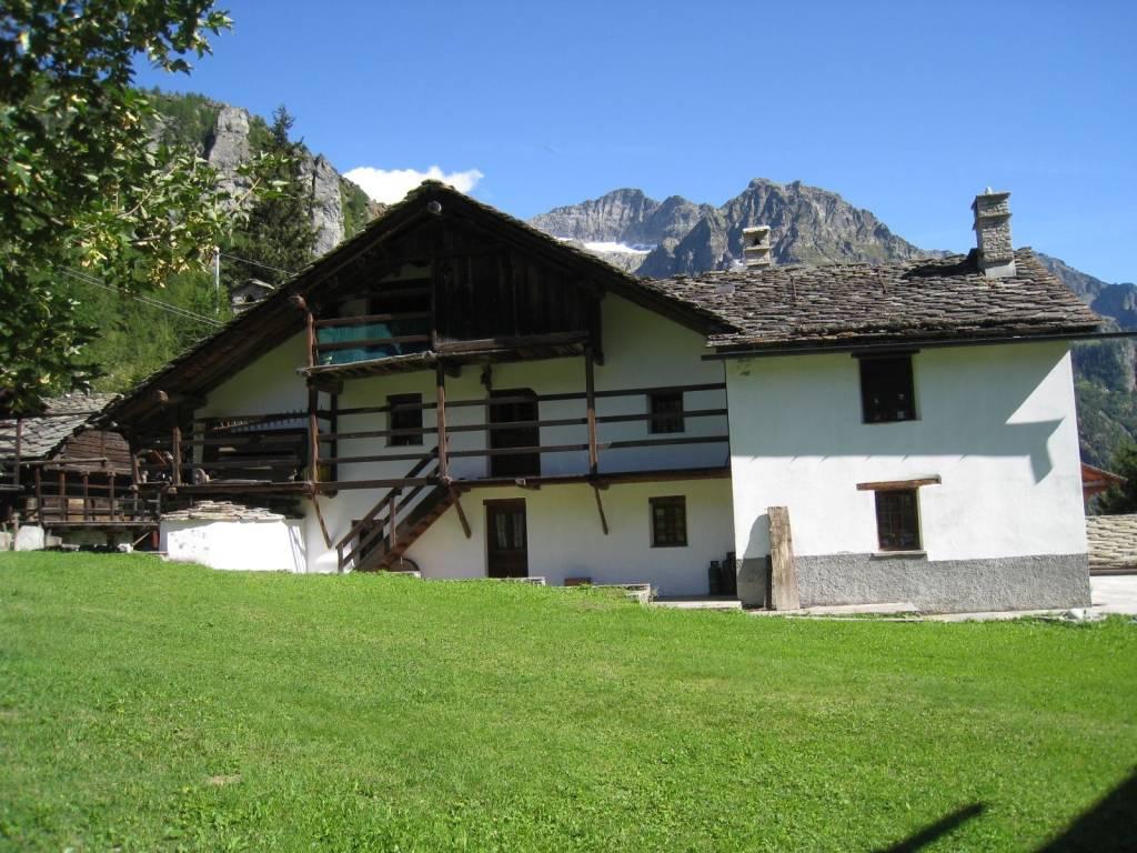 Villa in vendita a Gressoney-la-Trinitè, 6 locali, Trattative riservate   CambioCasa.it