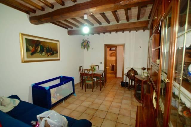 Appartamento in ottime condizioni in vendita Rif. 4392982