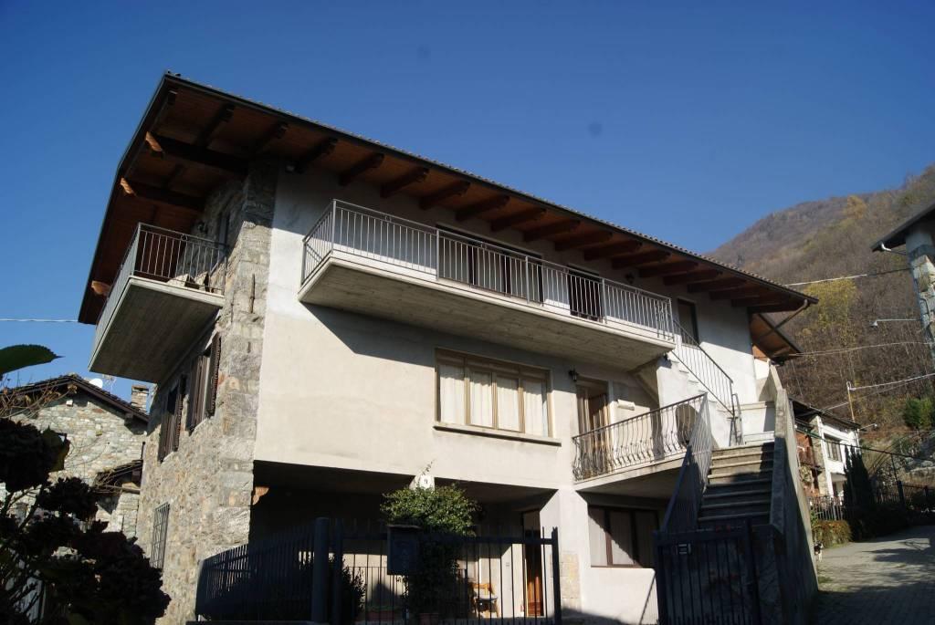 Foto 1 di Casa indipendente via Giansetto, Nomaglio