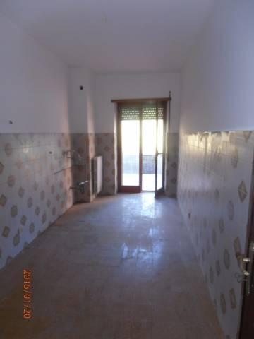 Appartamento in buone condizioni in affitto Rif. 4432154