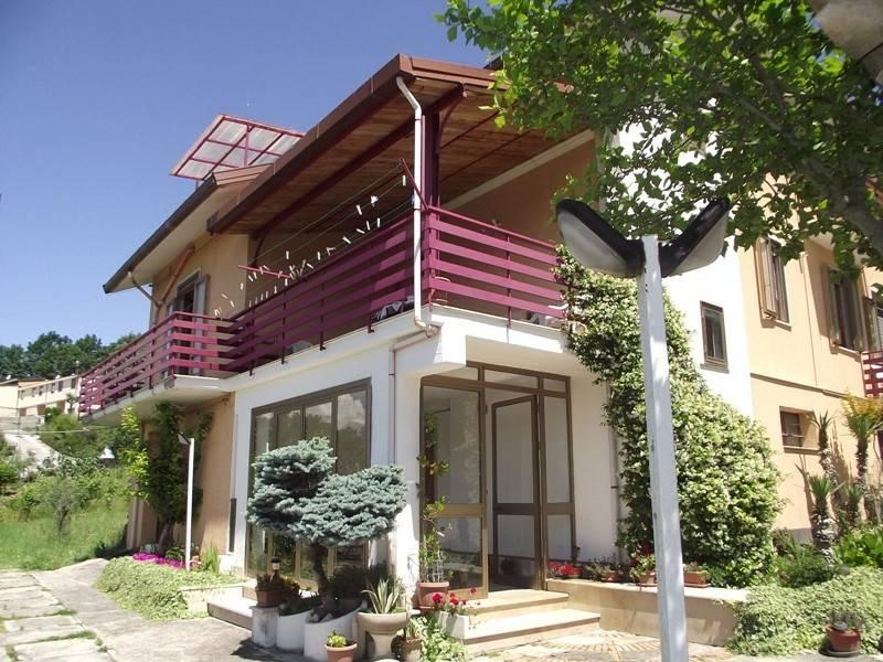 Villa in buone condizioni in vendita Rif. 4350565