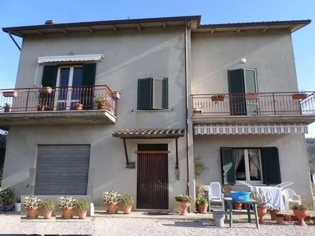 Villa in Vendita a Magione: 5 locali, 260 mq