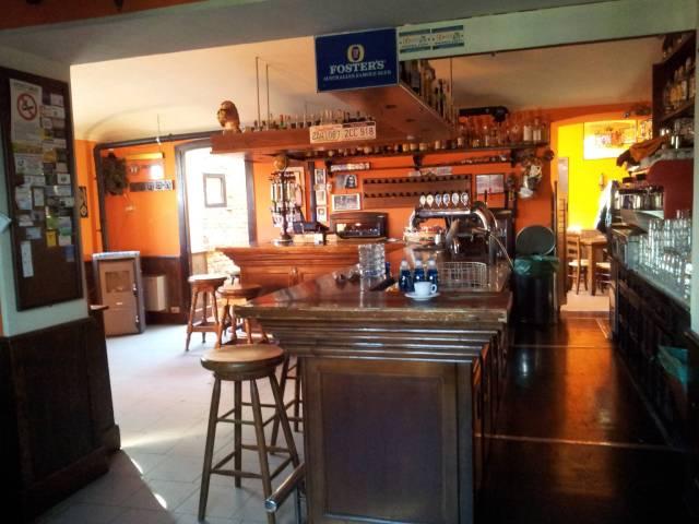 Pub / Discoteca / Locale in vendita a Mercenasco, 5 locali, prezzo € 180.000   CambioCasa.it