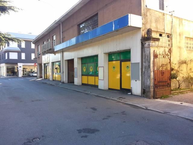 Negozio / Locale in vendita a Cerro Maggiore, 1 locali, prezzo € 750.000 | CambioCasa.it