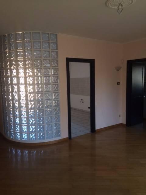 Appartamento in buone condizioni in vendita Rif. 8201576