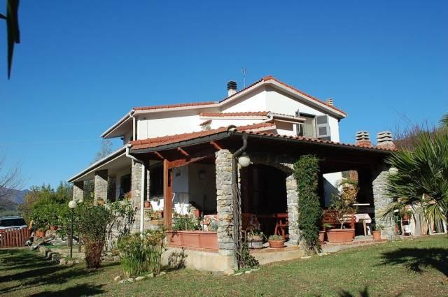 Villa in vendita a Chiusanico, 6 locali, prezzo € 470.000 | CambioCasa.it