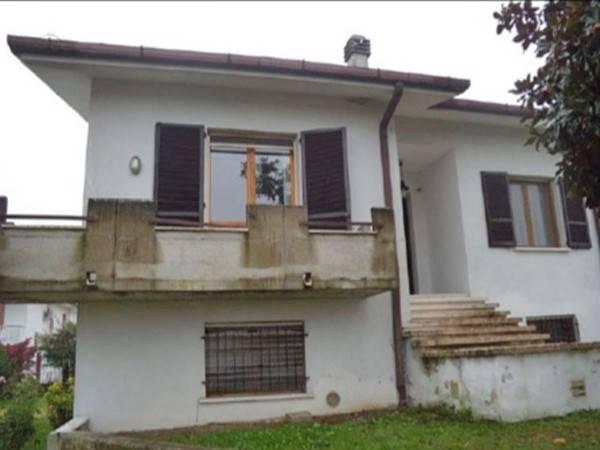 Villa in vendita a Revere, 9999 locali, prezzo € 69.610   CambioCasa.it