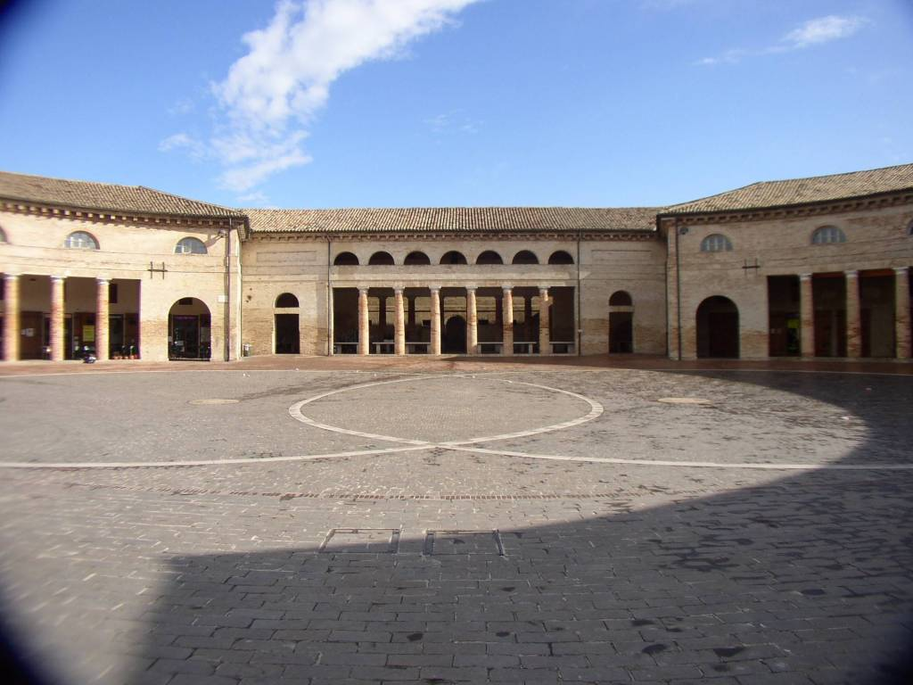 Senigallia - locale commerciale in centro storico Rif. 9150820