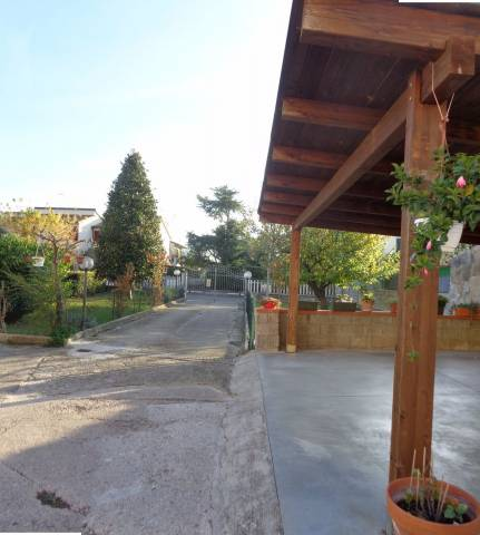 Soluzione Indipendente in vendita a Cascina, 6 locali, prezzo € 320.000   CambioCasa.it