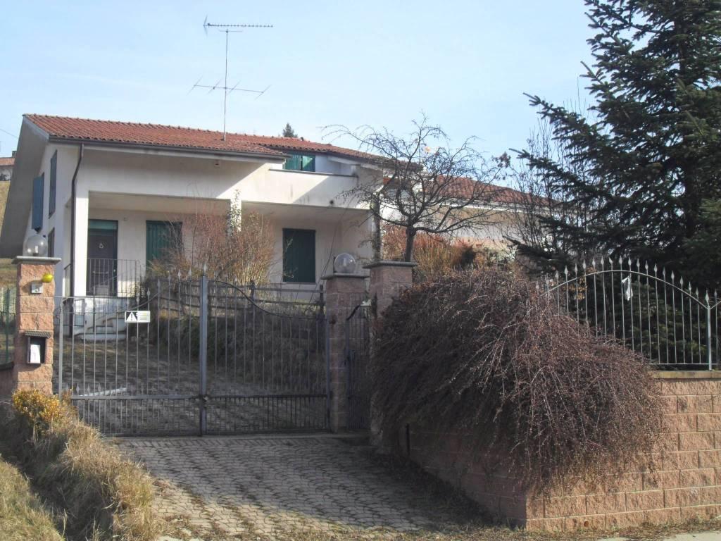 Villa in vendita a Frinco, 5 locali, prezzo € 175.000   PortaleAgenzieImmobiliari.it