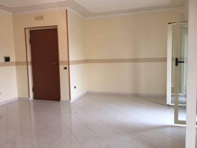 Appartamento in ottime condizioni in affitto Rif. 7448647