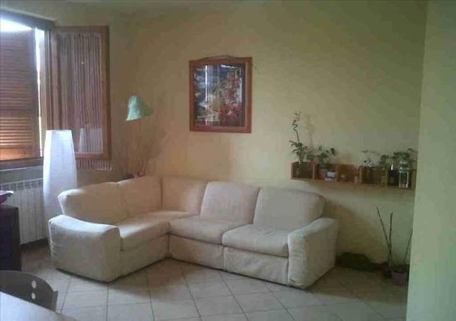Appartamento in buone condizioni parzialmente arredato in vendita Rif. 7098284