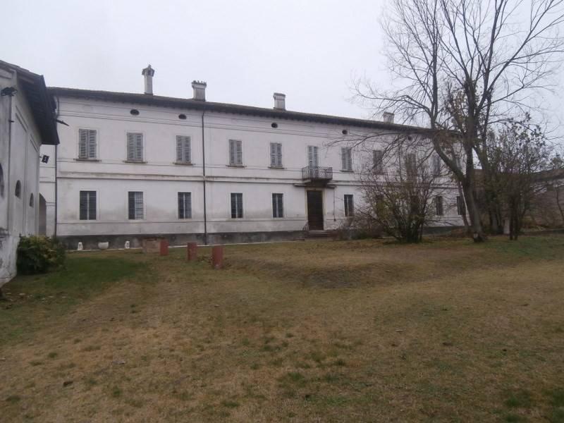 Albergo in affitto a Gazzuolo, 6 locali, prezzo € 2.000 | PortaleAgenzieImmobiliari.it