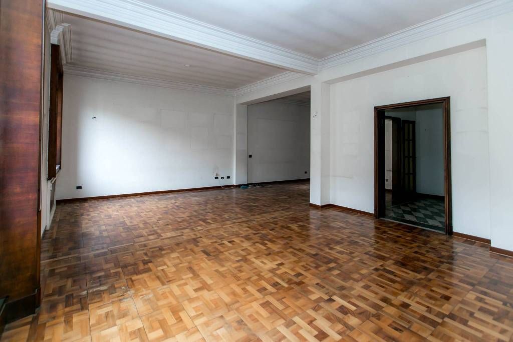 Attico in Vendita a Milano 01 Centro storico (Cerchia dei Navigli): 5 locali, 370 mq