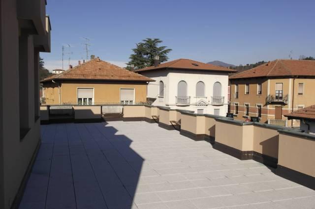 Appartamento in vendita a Besozzo, 4 locali, prezzo € 160.000 | CambioCasa.it