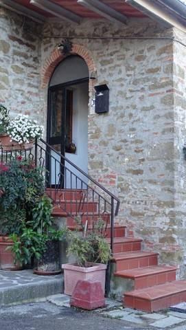 Rustico-casale Altro in Vendita a Civitella In Val Di Chiana