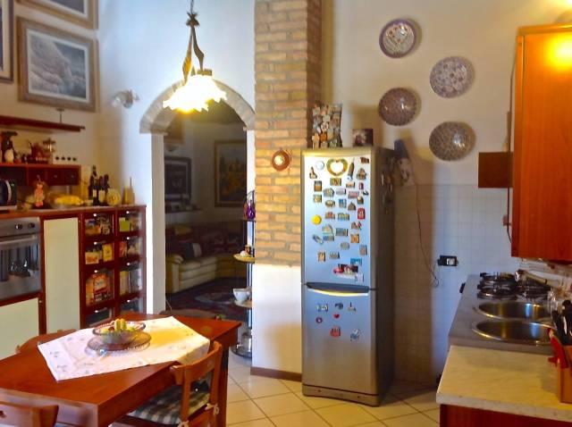 Appartamento in ottime condizioni in vendita Rif. 4952460