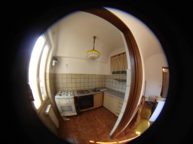 Bilocale in buone condizioni parzialmente arredato in affitto
