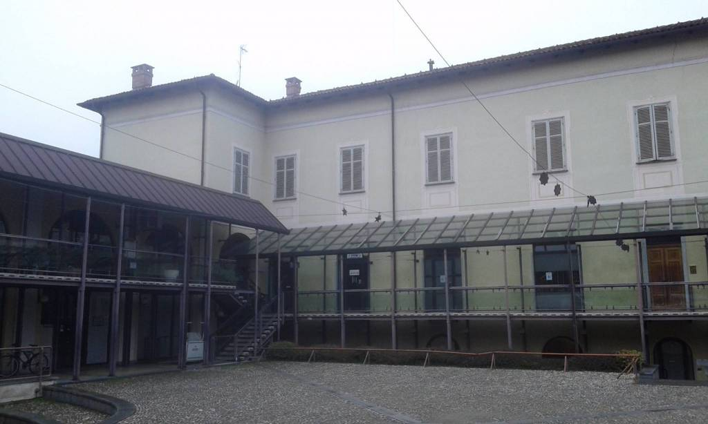 Negozio / Locale in affitto a Chieri, 2 locali, prezzo € 370 | CambioCasa.it
