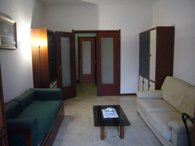 Appartamento in buone condizioni arredato in affitto Rif. 6987000