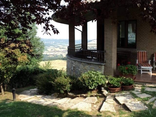 Villa in Vendita a Vernasca: 5 locali, 700 mq