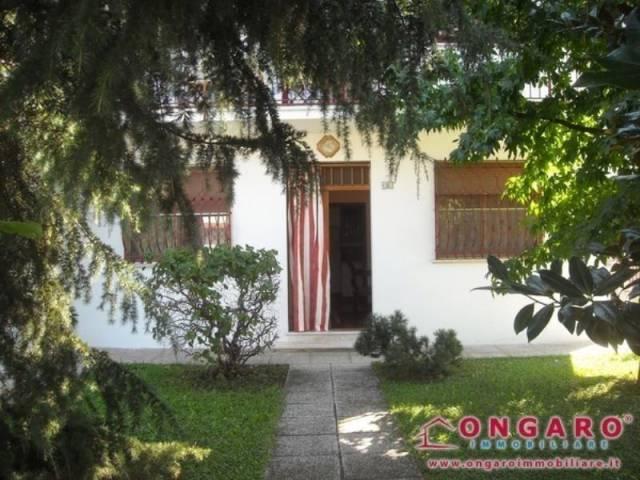 Appartamento in buone condizioni arredato in vendita Rif. 4323275