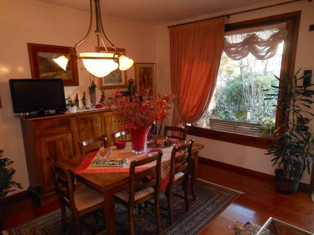 Villa in vendita a Povegliano, 6 locali, prezzo € 350.000 | CambioCasa.it