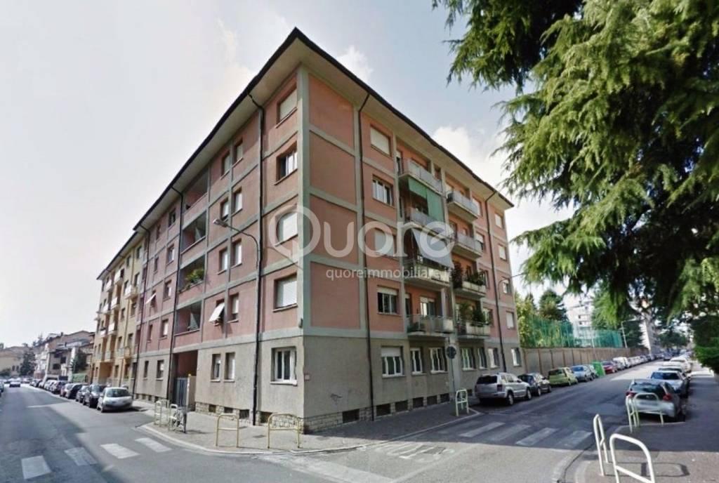 Appartamento in buone condizioni parzialmente arredato in vendita Rif. 8923101